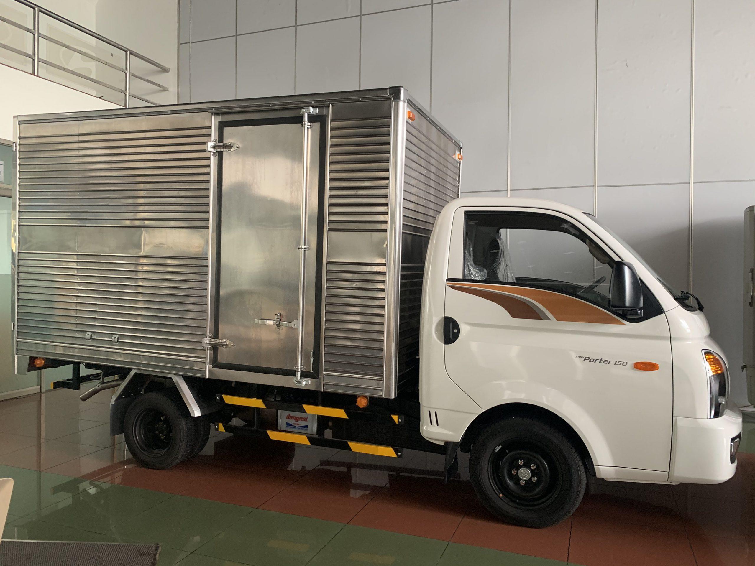 xe h150 thùng kín